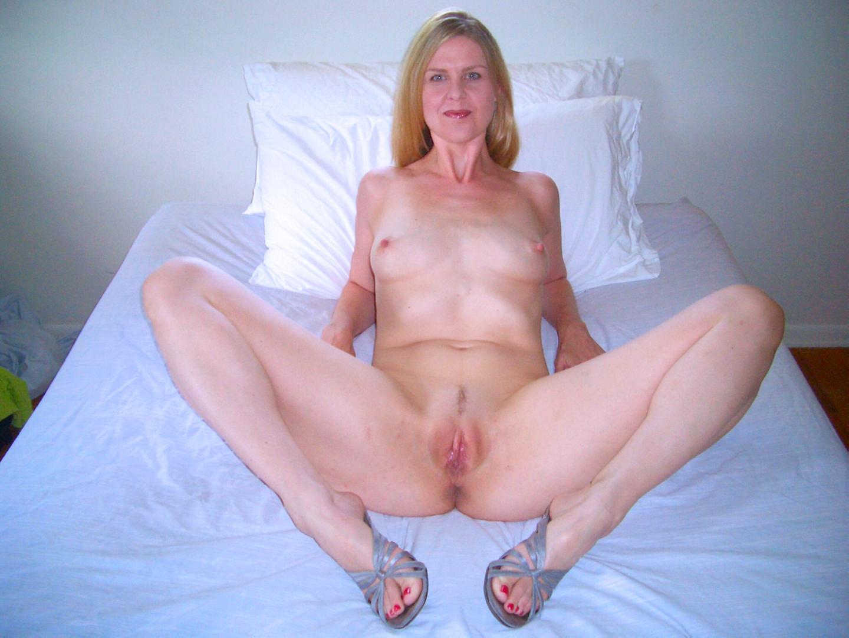 Free small tit blonde porn