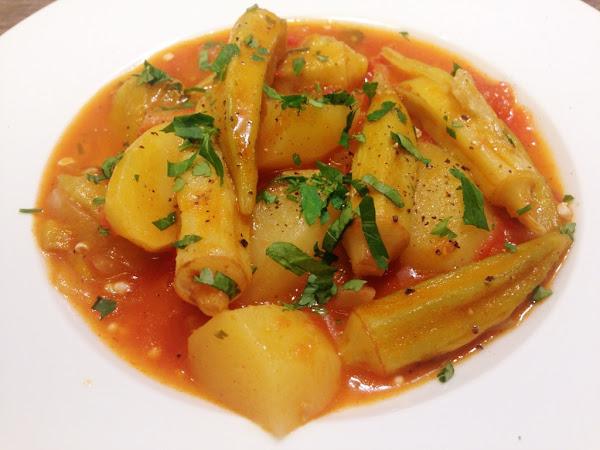 Яхния с бамя и картофи