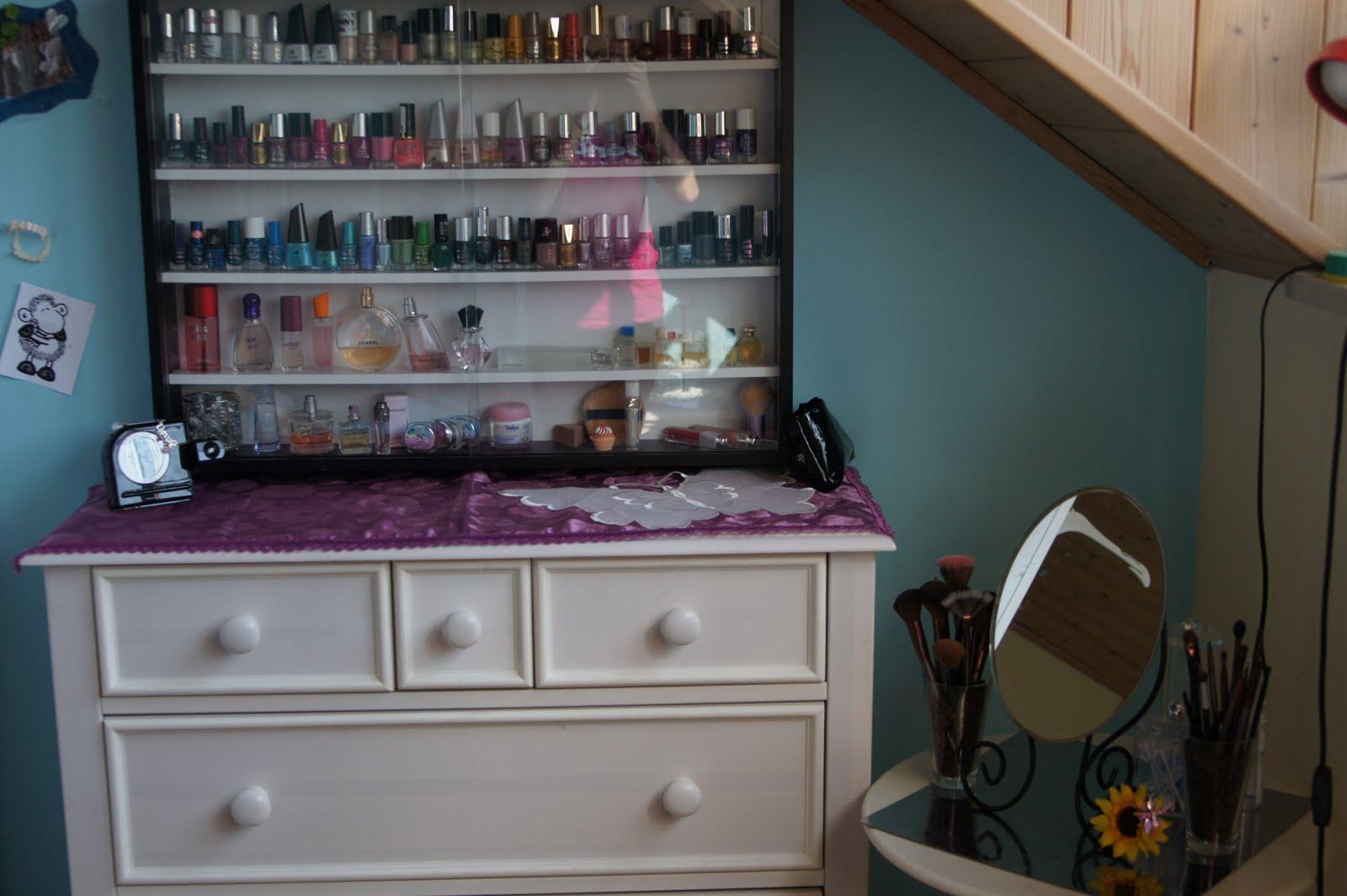 mays beautylive meine nagellack aufbewahrung. Black Bedroom Furniture Sets. Home Design Ideas