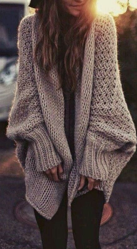 simple fall outfit / nude knit cardigan + top + skinnies