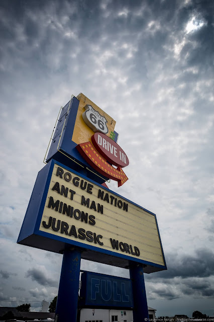 Motel sign Route 66 Illinois_by_Laurence Norah
