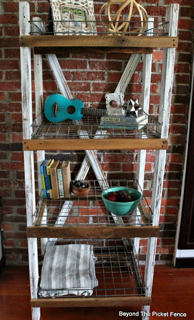 industrial shelf, farmhouse style, rustic decor, paint, http://goo.gl/CQsXQJ