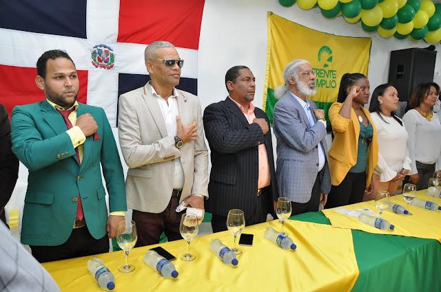 Hubieres juramenta Dirección Política de Santo Domingo Este