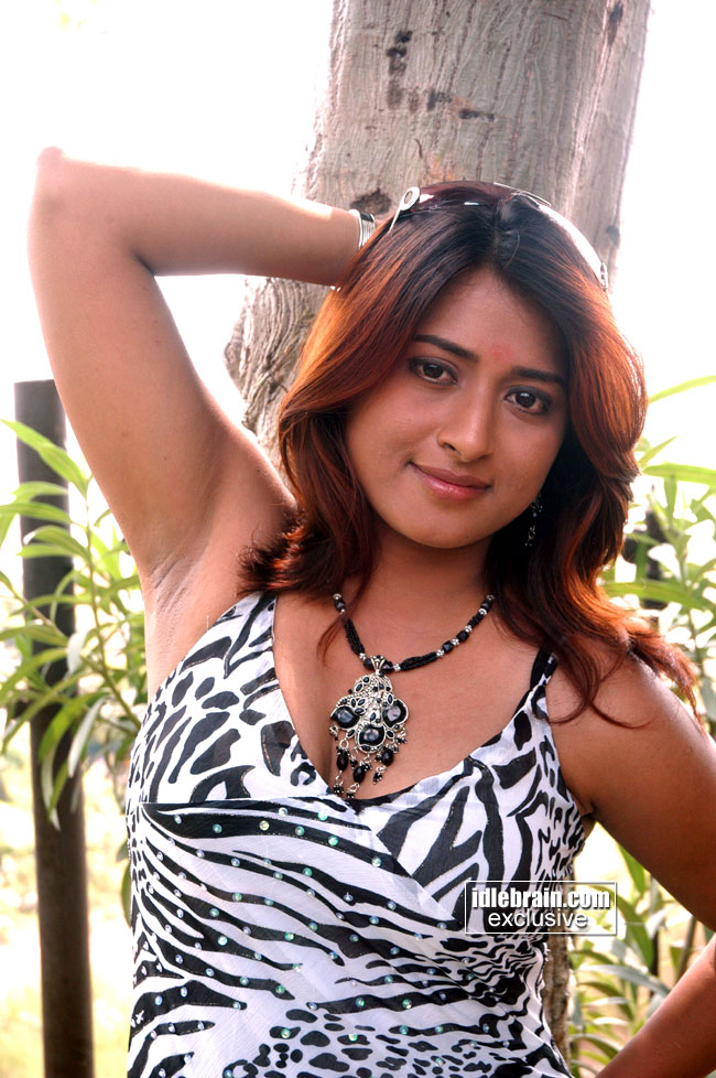 Actress Farah Khan Hottest Sexy Armpit Images  Naked Pictures-3636