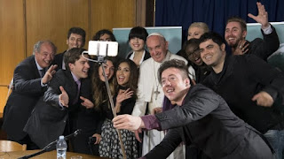 Youtubers con el Papa Francisco ¿Casualidad?