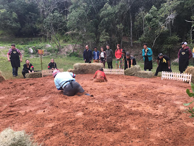 Churrasqueiros na prova da lama (Foto: Gabriel Gabe)