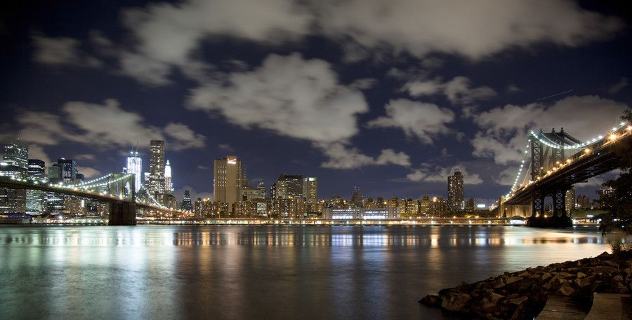 16. Manhattan by night. by Edwin Walstra