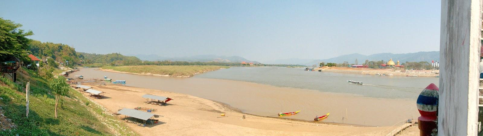 ruak and mekong rivers meet