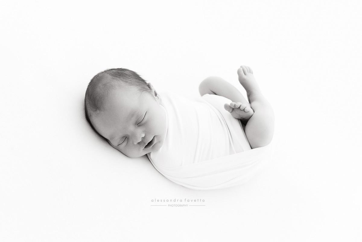 Sesión recién nacido a domicilio en Sevilla