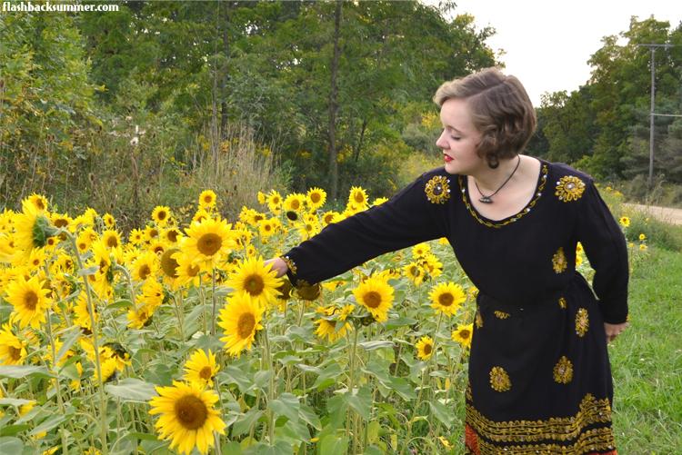 Flashback Summer - Sunflower abaya refashion 1940s intercultural vintage