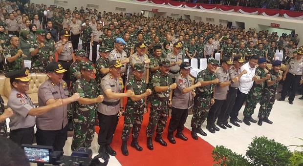 TNI-Polri Motivator Perekat Persatuan dan Kesatuan