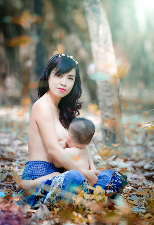 Ms. Jinfeng wishes everyone to celebrate the motherhood journey through the implementation of this picture.