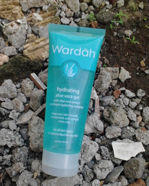 Manfaat Wardah Hydrating Aloe Vera Gel Untuk Melembabkan Kulit Wajah