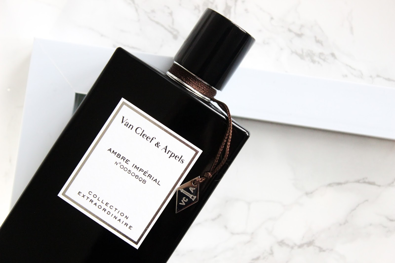 fragrance van cleef and arpels ambre imperial charley. Black Bedroom Furniture Sets. Home Design Ideas