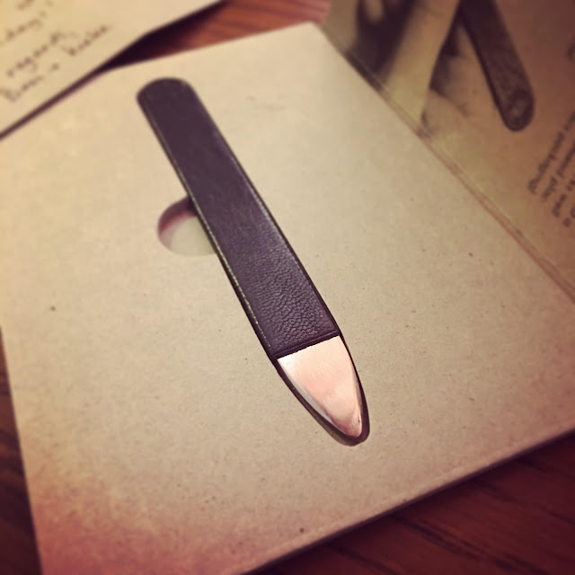 metal folder