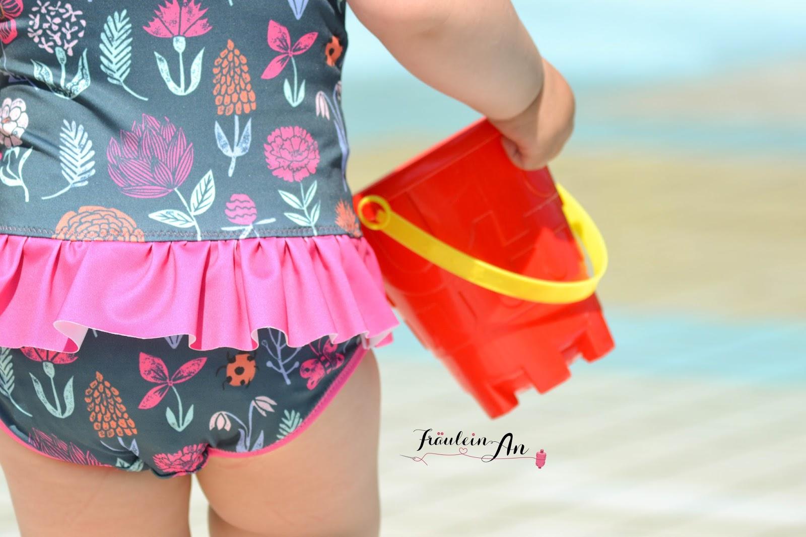 Fräulein An: Cosi Swimsuit - die Hummel bekommt einen Badeanzug