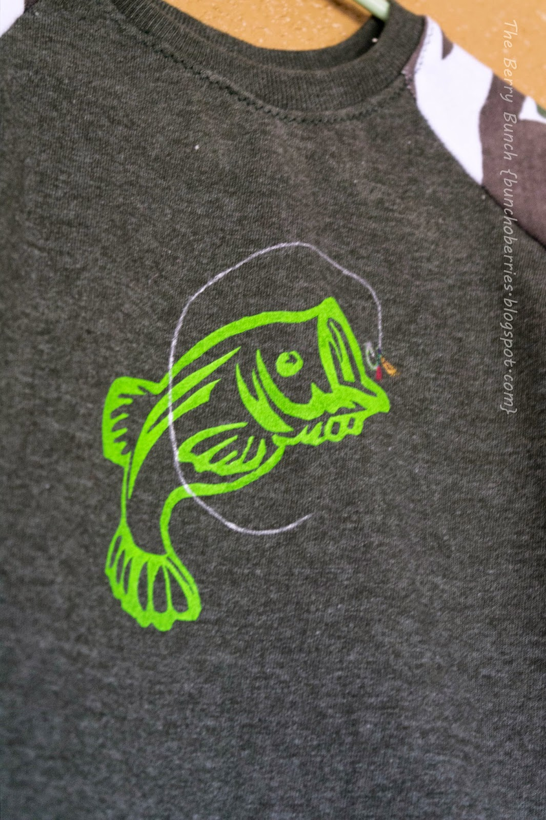 Bass Fishing: GYCT Designs Rival Raglan: The Berry Bunch