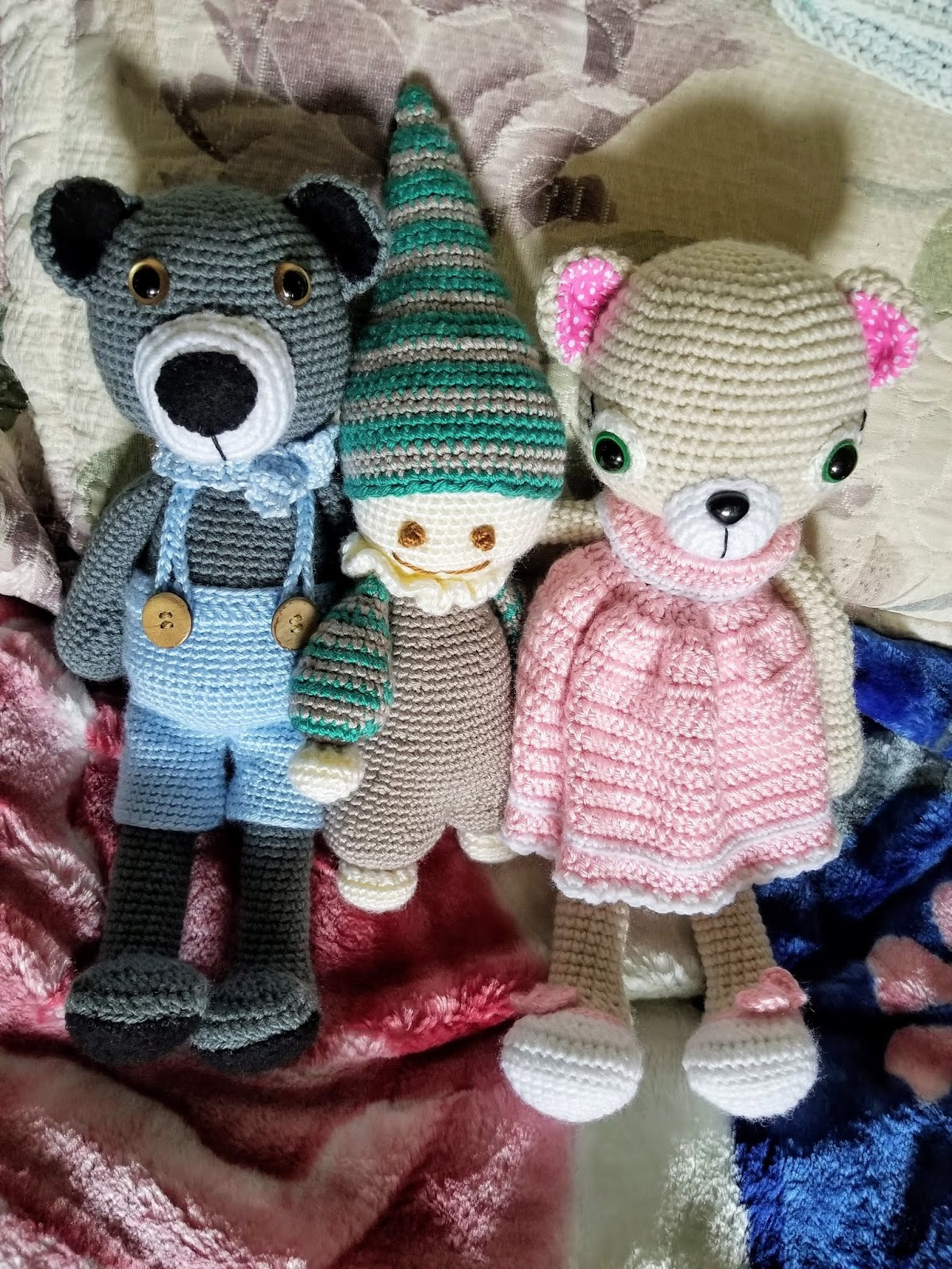 Cuddly Amigurumi Toys: 15 New Crochet Projects by Lilleliis ... | 1600x1200