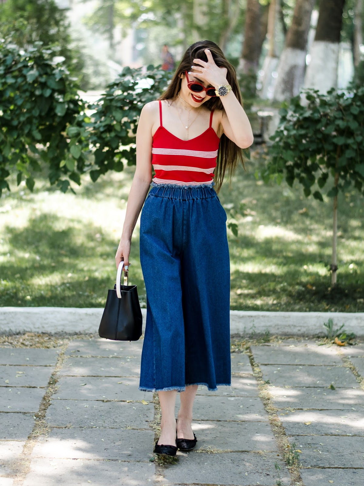 diyorasnotes diyora beta fashion blogger style outfitoftheday lookoftheday red top denim jeans wide leg jeans culottes hm shoes red lips style