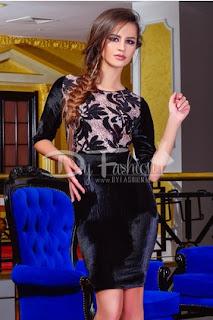 Rochie scurta de ocazii neagra din catifea, cu aplicatii de paiete si model floral