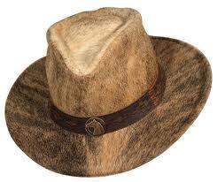 1daa47184aba6 ALUZAR  El sombrero de pelo é guama
