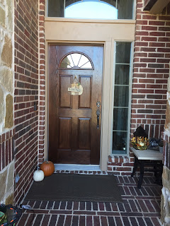 http://craftyc0rn3r.blogspot.com/2015/11/gel-staining-front-door-and-spray.html