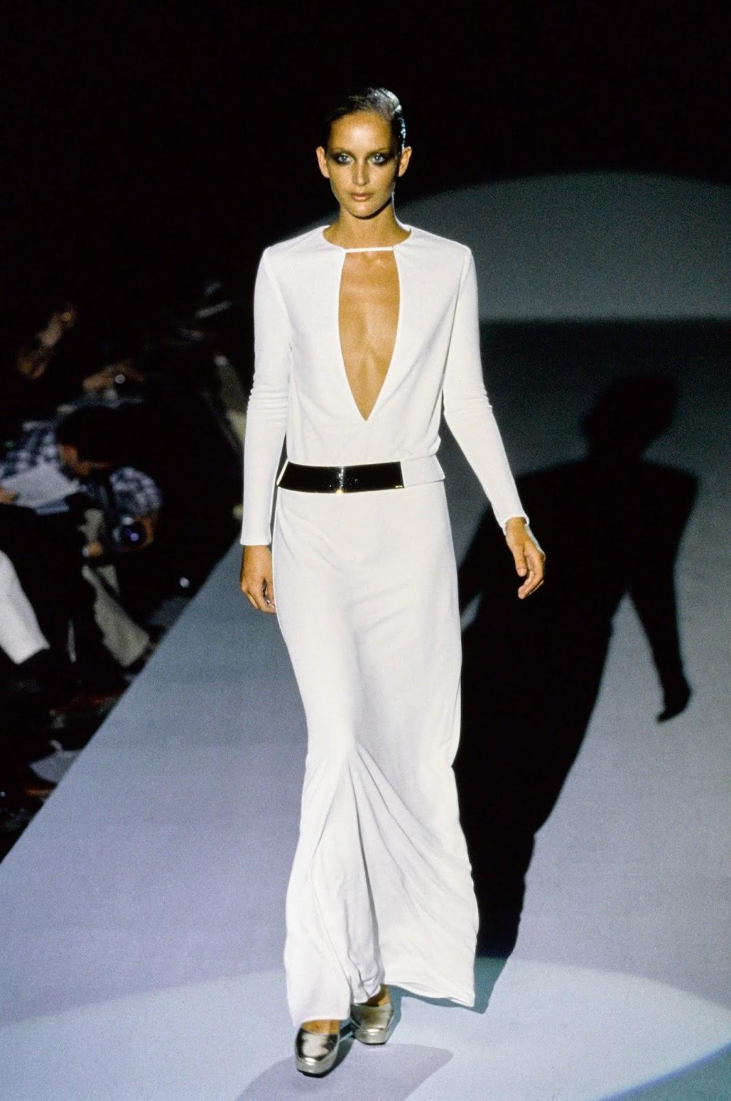 niwdenapolis: FASHION FLASHBACK - TOM FORD\'S GUCCI\'S WHITE DRESS ...