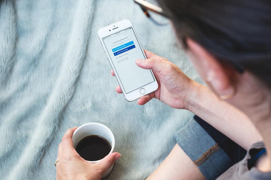 Fungsi CRM sudah bisa dijalankan lewat telepon genggam