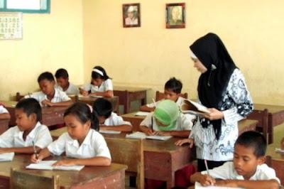 Pendidikan Bukan Hanya Tanggung Jawab Guru