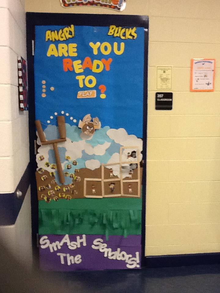 The Science Scoop: Winning Homecoming Door Decoration!