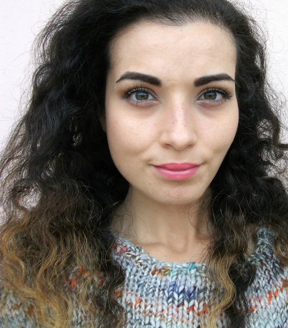 Marc Jacobs beauty, Velvet Noir Major Volume Mascara, review and soft brown eye make-up look by Valentina Chirico