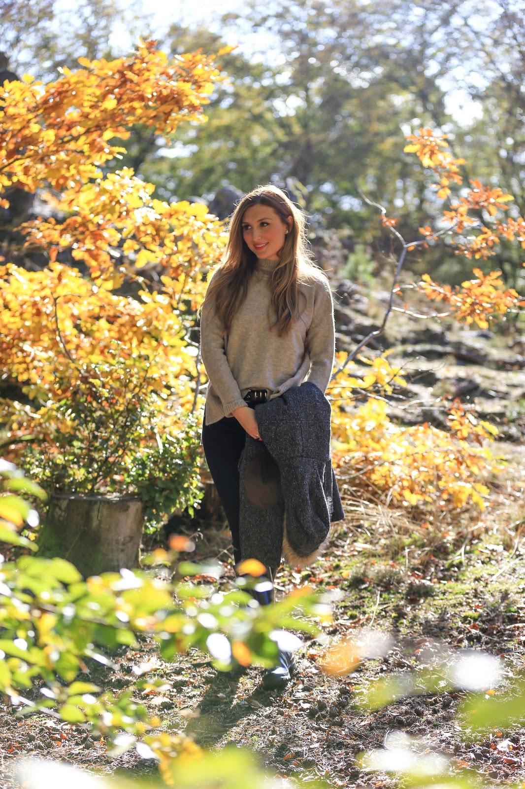 Allgäu-Herbstbilder-herbstlicher-look-HerbstOutfit-schwarze-skinny-jeans-österreich