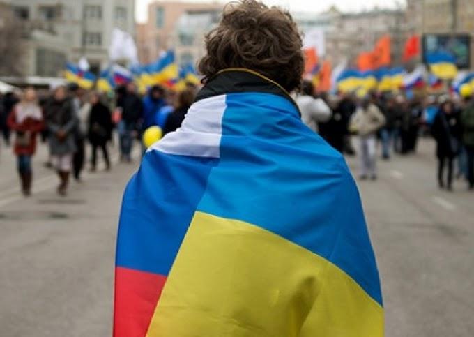 Денонсация Большого договора: Украинцы объявят России войну и сразу сдадутся в плен