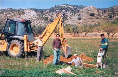 La pileta, camino, pantano de Pena, embalse, finca, almendros, olivos, Esteban Lorente, Moncho, Ramón Guimerá Caballé, Gelete, perra, plantando olivos