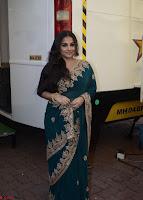 Vidya Balan looks super cute in Saree 008.jpg