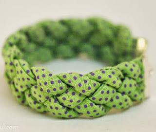 http://translate.google.es/translate?hl=es&sl=en&tl=es&u=http%3A%2F%2Fwww.howjoyful.com%2F2011%2F07%2Fjoyful-braided-bracelet-tutorial%2F