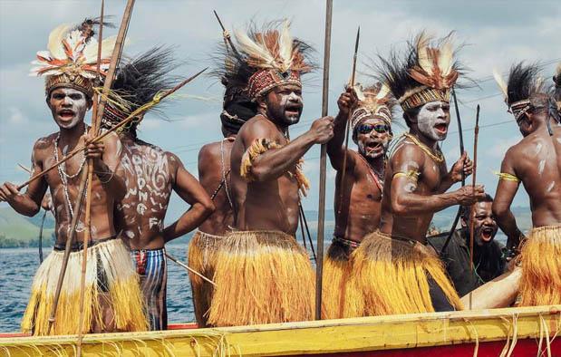 Baju Adat Papua Barat dan Penjelasannya