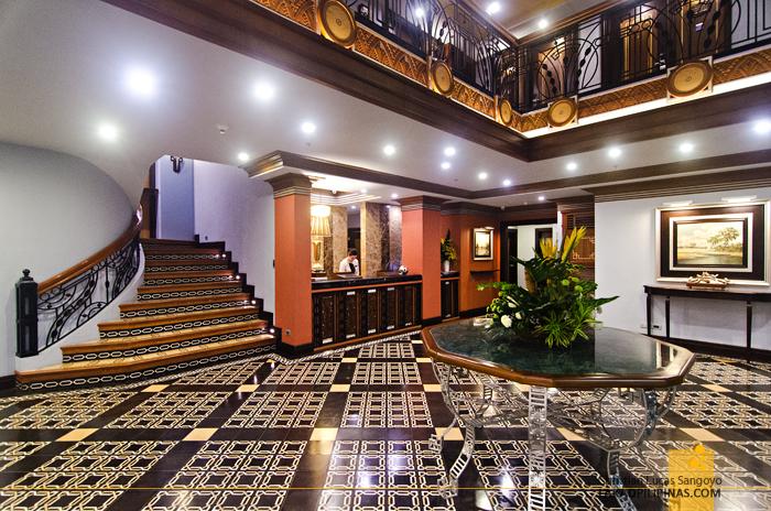 Herald Suites Polaris Makati Lobby