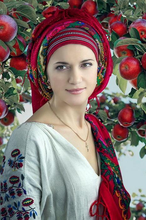 Фотопроект: Украинки в национальных костюмах