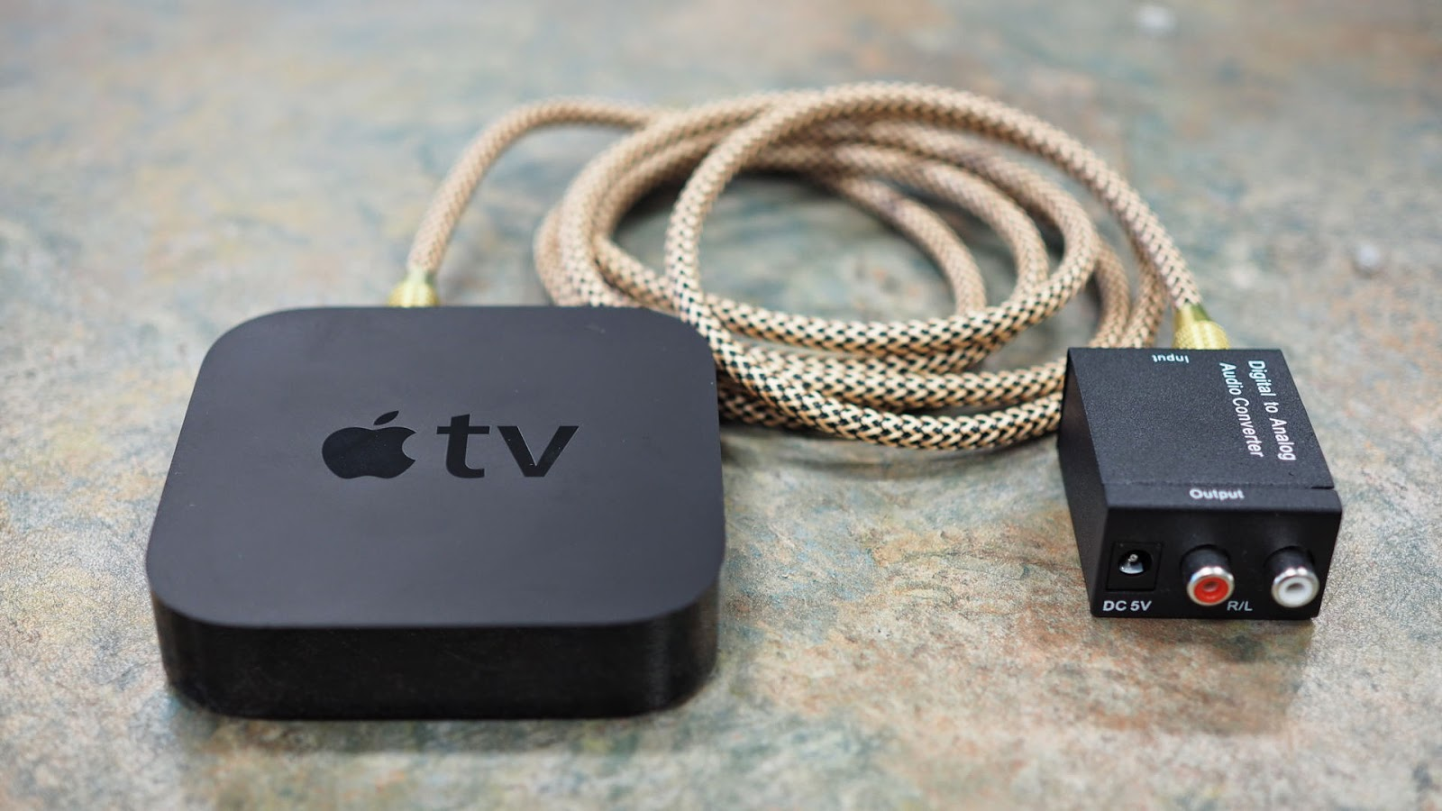 apple tv as hd av receiver with analog audio output [ 1600 x 900 Pixel ]