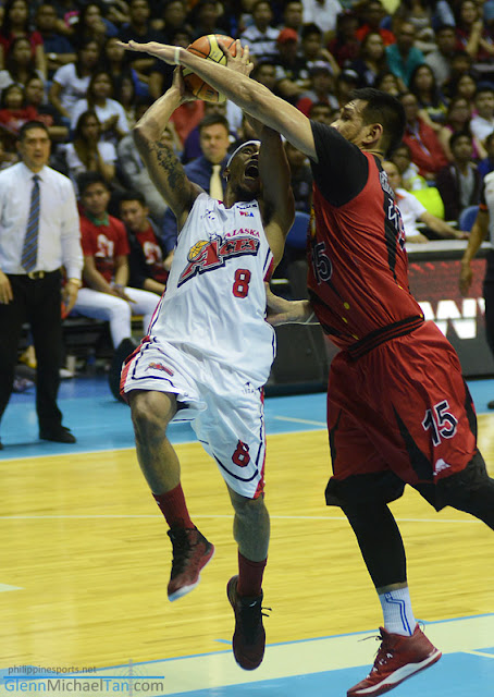 Junmar Fajardo lifts San Miguel with a double-double