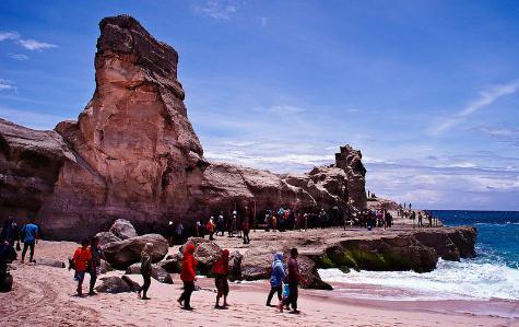 destinasi wisata Pantai klayar pacitan