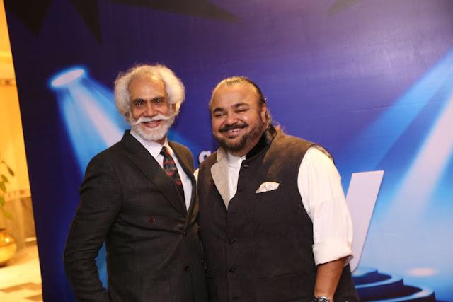 (L-R) Sunil Sethi, JJ Valaya