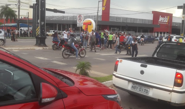 Grave acidente no semáforo do Jeedá em Ji-Paraná, faz uma vítima fatal