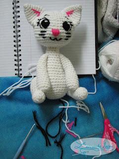 L'accroche laine - Tout blanc - Le chat