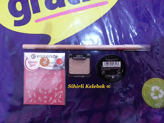 Gratis, Maxfactor, Excess Shimmer, Wet n Wild, Brulee, Essence, Nail Art Sticker
