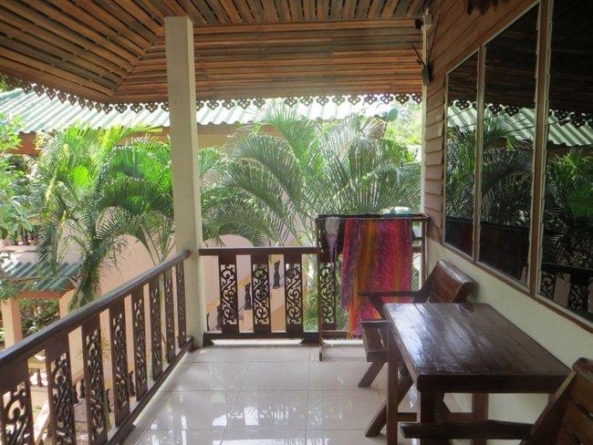веранда отеля тропикана на острове Тао