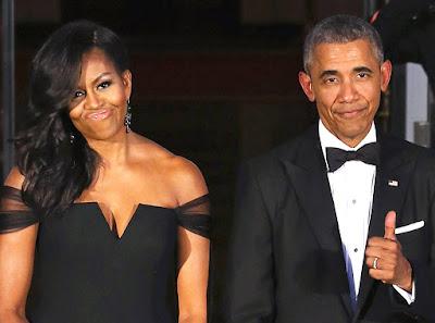 Agora que ele está fora da Casa Branca e não tem que manter a imagem falsa de um esposo amoroso, o ex-presidente Barack Obama chutou a esposa Michelle