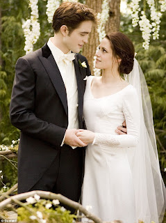 EDWARD CULLEN foto matrimonio con BELLA SWAN. 7c7260b41f5