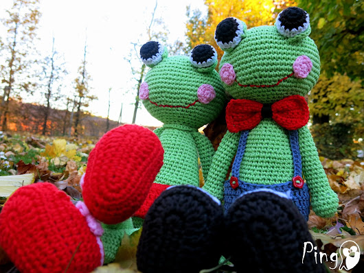 Abby and Robin - The Frogs :o)